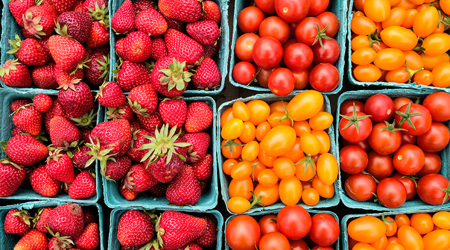 What's in season – Strawberries and tomatoes